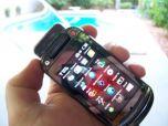 Первые фото сенсорного Motorola Krave ZN4