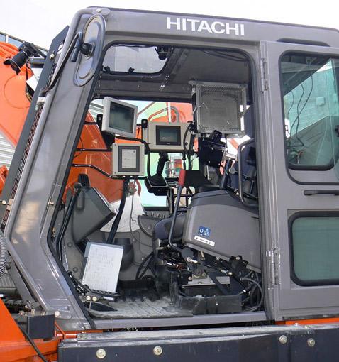 Hitachi, Экскаватор