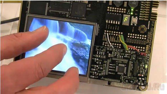 Резистивная мультисенсорная панель от Toshiba