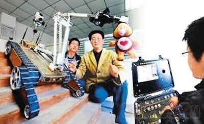 Китайский робот измеряет уровень радиации