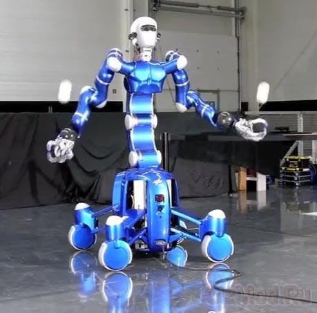 Потрясающая грация робота Rollin' Justin
