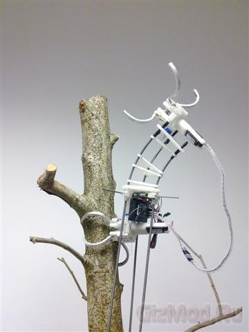 Китайский робот-гусеница листья не кушает