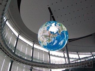 6-метровая OLED копия Земли в токийском музее