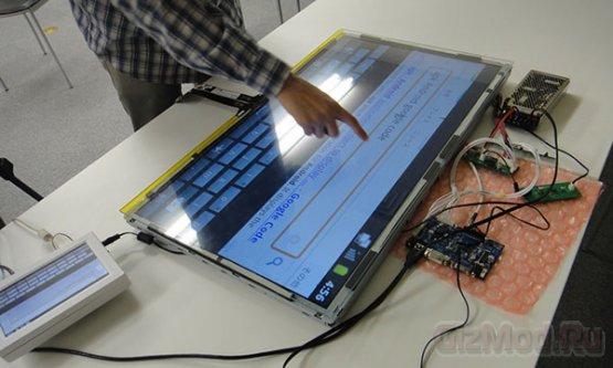 """SKR показала 32"""" мультисенсорный Android-терминал"""