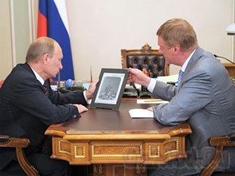 Путина ознакомили с Российским школьным планшетом