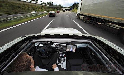 Прототип BMW обходится без водителя
