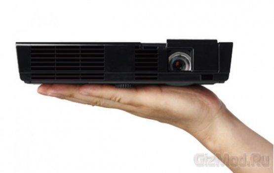 Мощный и компактный проектор NEC NP-L50W