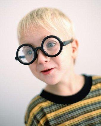 Детская близорукость как результат мобильных игр