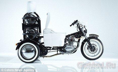 Японский мотоцикл-туалет отправился в путешествие