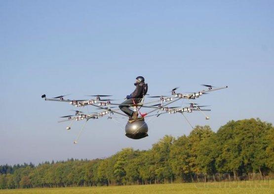 Самодельный мультикоптер e-volo поднялся в воздух