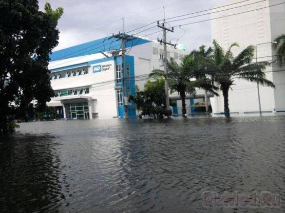 Наводнение в Таиланде на руку производителям SSD