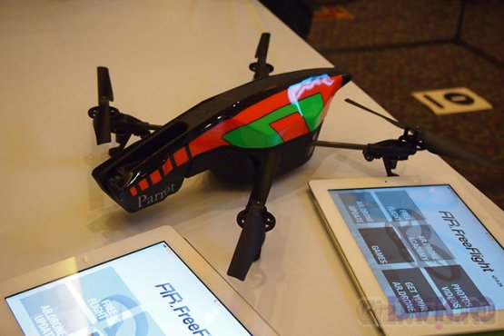 Квадрокоптер Parrot AR.Drone 2.0 снимает HD-видео