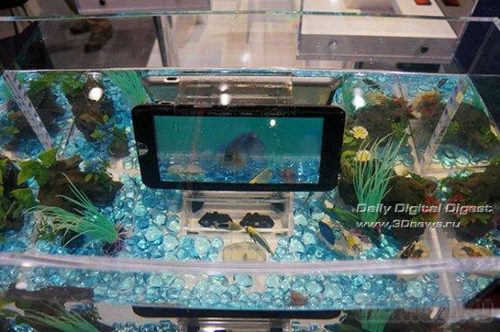Планшет Toshiba без проводов заряжается под водой