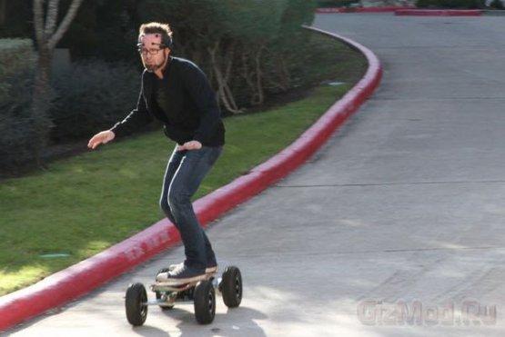 Нейрошлем подключили к скейтборду