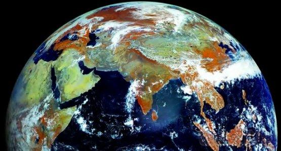 Северное полушарие «глазами» метеоспутника
