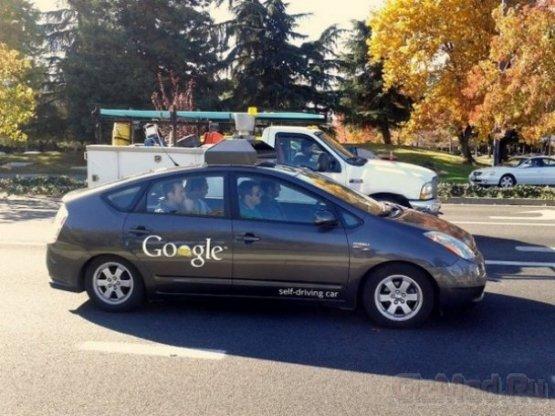 В США лицензировали первый автомобиль-робот