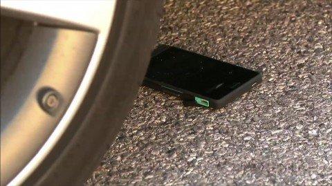 Sony Xperia go подвергся краш-тесту