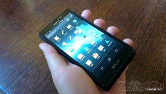 Живые фото смартфона Sony Xperia T