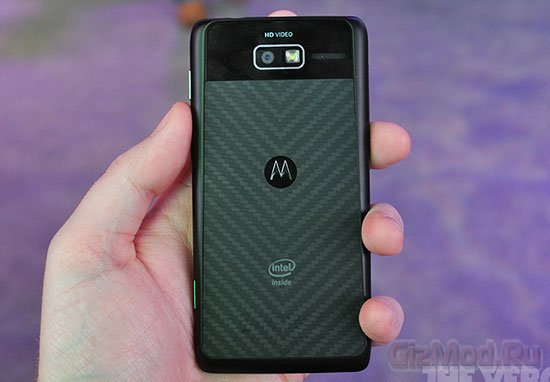 RAZR i - первенец Motorola на архитектуре Intel