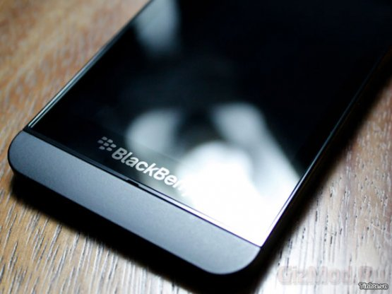 Смартфон BlackBerry L на качественных фото