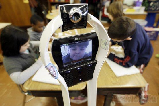 Роботы VGo заменяют учеников на уроках