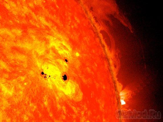 Рекордно крупные пятна на Солнце