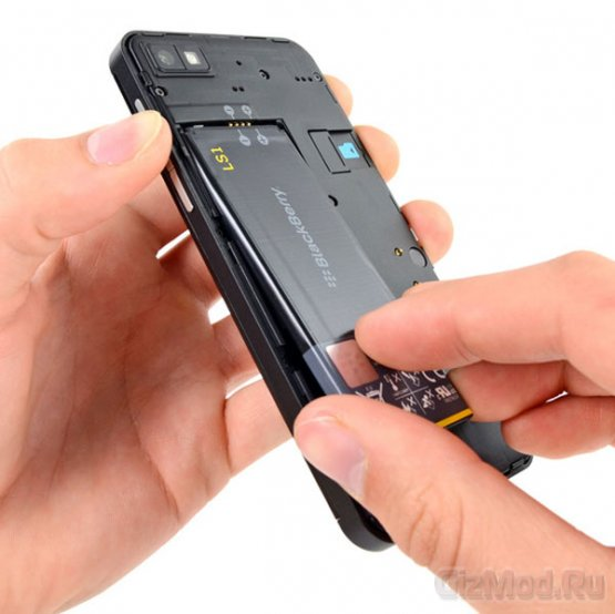 "iFixit ""расковыряли"" BlackBerry Z10"