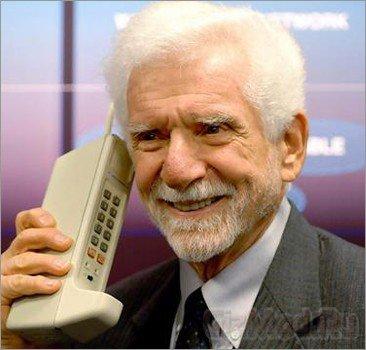 Сотовому телефону 40 лет