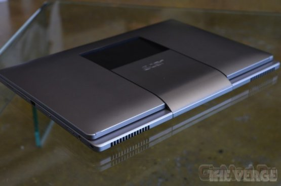 Acer Aspire R7 - необычный сенсорный трансформер
