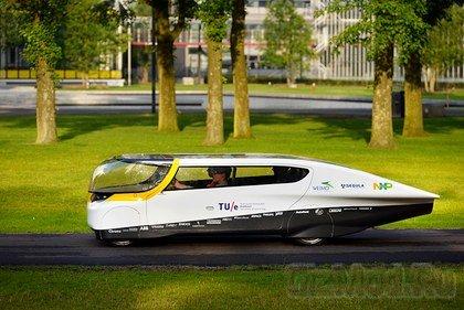 Четырехместный солнечный автомобиль