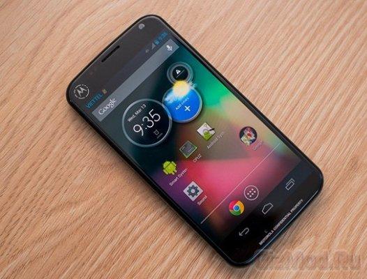 "4,4"" смартфон Moto X: все еще впереди"