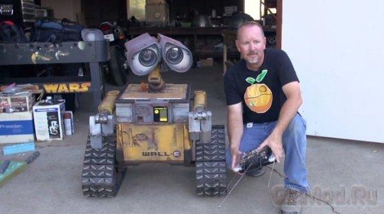Полномасштабная действующая модель Wall-E