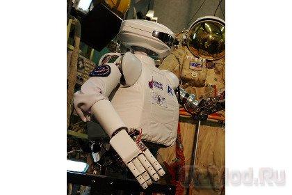 Российский робот-андроид проходит испытания