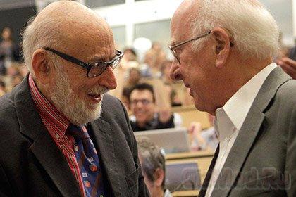 Бозон Хиггса заработал Нобелевскую премию