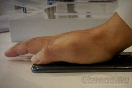 Смартфон LG G Flex соответствует названию