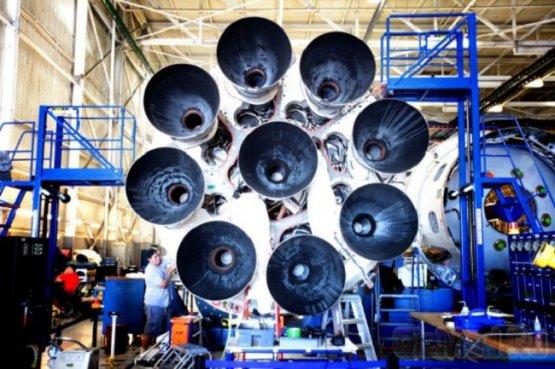 SpaceX произведет мягкую посадку ракеты-носителя