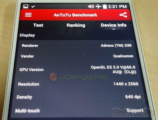 Фото смартфона LG G3 с экраном 2560×1440