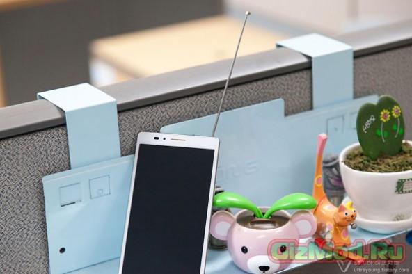 Живые фото смартфона Pantech Pop Up Note