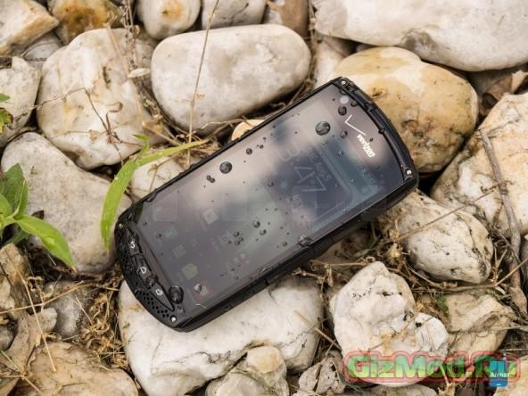 """Смартфон с сапфировой """"защитой"""" Kyocera Brigadier"""