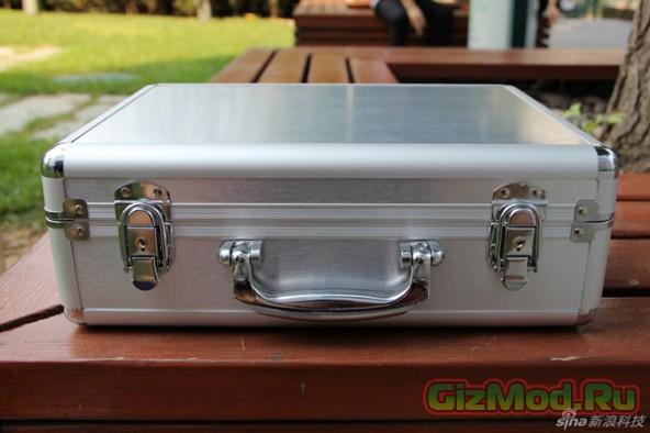 Vivo X5 с целым чемоданом аксесуаров