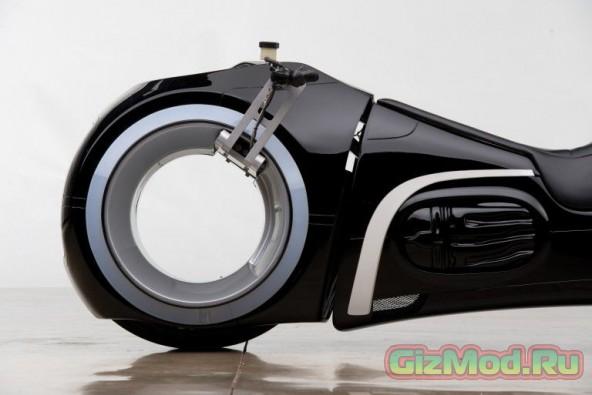 Мотоцикл Lightcycle из фильма «Трон: Наследие» продан за $77000