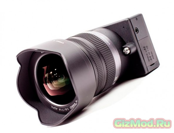 Компактная экшн-камера со сменной оптикой