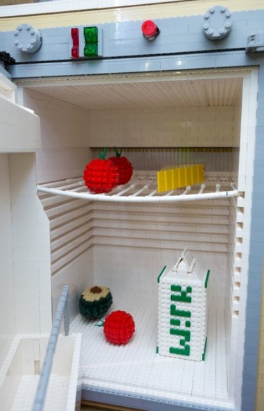 Фургон из конструктора Lego