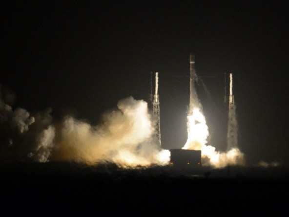 Удачная посадка Falcon 9