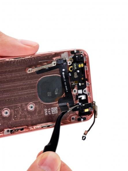 Разборка смартфона iPhone SE