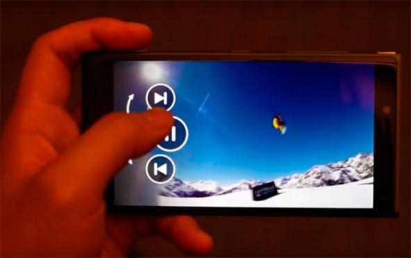 Microsoft ведет разработку бесконтактного управления смартфонами