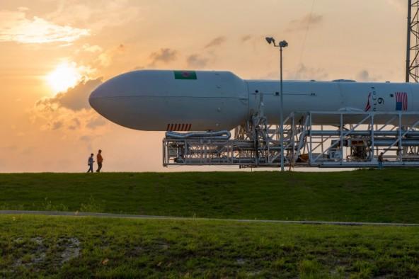 Видео посадки ракеты-носителя Falcon 9