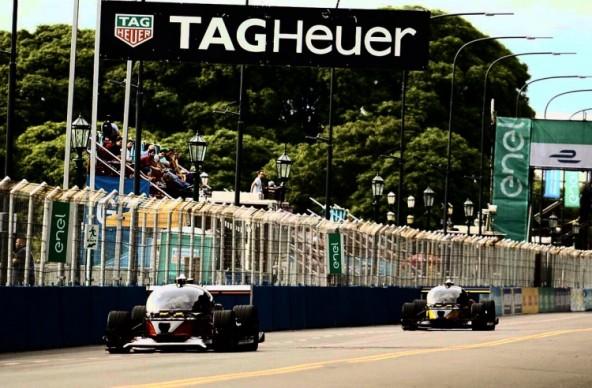 Первые гонки автомобилей в Formula E закончились аварией