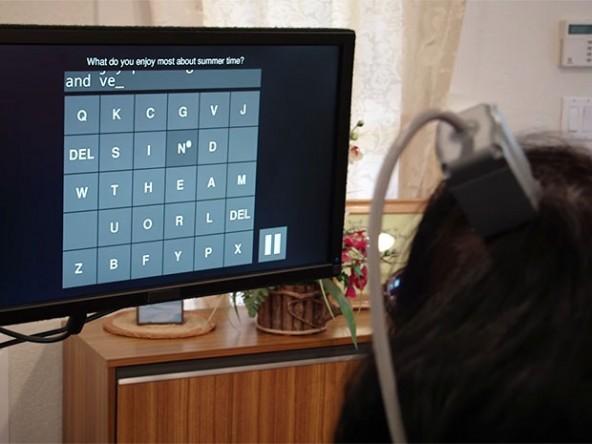 Новый нейроинтерфейс помогает парализованным набирает до 8 слов в минуту.