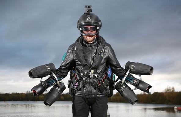 Мировой рекорд скорости на летающем костюме